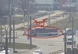 В Бресте троллейбус сбил велосипедиста (видео)
