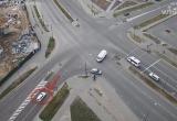 Легковушка на перекрестке в Бресте выехала на красный и устроила аварию (видео)