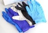 Брестчанина оштрафовали за продажу медицинских перчаток