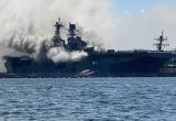 В США загорелся военный корабль: пострадал 21 человек (видео)