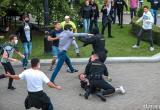 Шесть сотрудников ОМОН пострадали во время акций протеста в Минске (видео)
