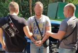 Мужчина устроил стрельбу на улице под Киевом