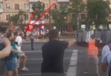 Брестчанин рассказал, как бросал камни в силовиков на акции протеста (видео)