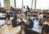 Великобритания запретила в школах учебники с критикой капитализма