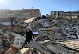 Землетрясение в Эгейском море привело к разрушению домов в Турции