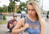 В Германии хотят штрафовать за приставания на улице