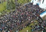 Тысячи человек пришли на прощание с Романом Бондаренко в Минске