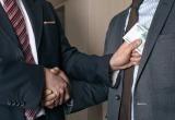 Руководителей МЗКТ, МТЗ, БЕЛАЗа и других предприятий обвиняют в получении взяток