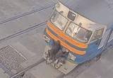 В Бресте подростки-зацеперы экстремально прокатились на поезде (видео)