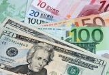 Доллар и евро резко упали в начале торгов 14 апреля