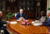 Лукашенко заявил, что будет действовать прежняя Конституция, если новую не поддержат