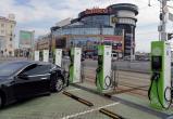 Лукашенко поручил строить больше электрозарядных станций – даже у домов