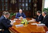 Лукашенко обсуждает перспективы развития индустриального парка «Великий камень»